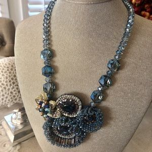 NWT Navy Mutil Crystal Fashion Statement Necklace